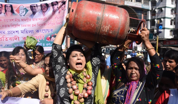 From onion to LPG price hikes, a price proliferation that seems unstoppable now