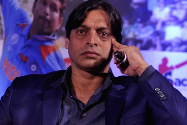 Have more money than your hair on head: Akhtar tells Sehwag