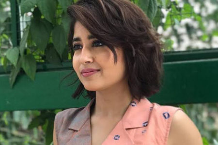 Shweta Tripathi 'flattered' on being compared to Ayushmann Khurrana