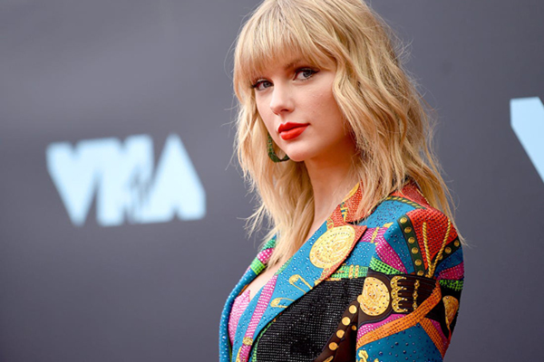 Swift's dad feared for her after Senator episode