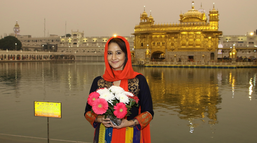 Amritsar: Actress Pooja Dadwal visits the Golden Temple in Amritsar on Feb 20, 2020. (Photo: IANS)