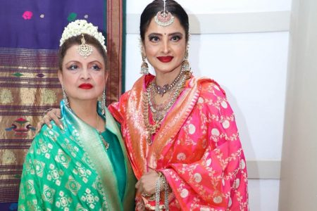 Rekha at the wedding reception of Celebrity manager Riku Rakesh Nath's daughter