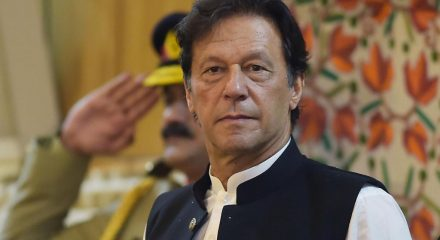 Pak lockdown to be lifted in phases from Saturday: Imran