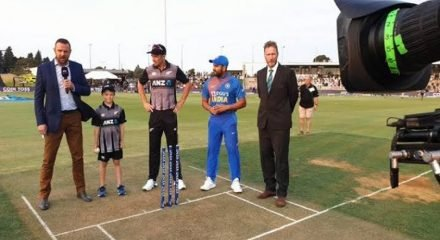 5th T20I: India opts to bat in final affair vs NZ