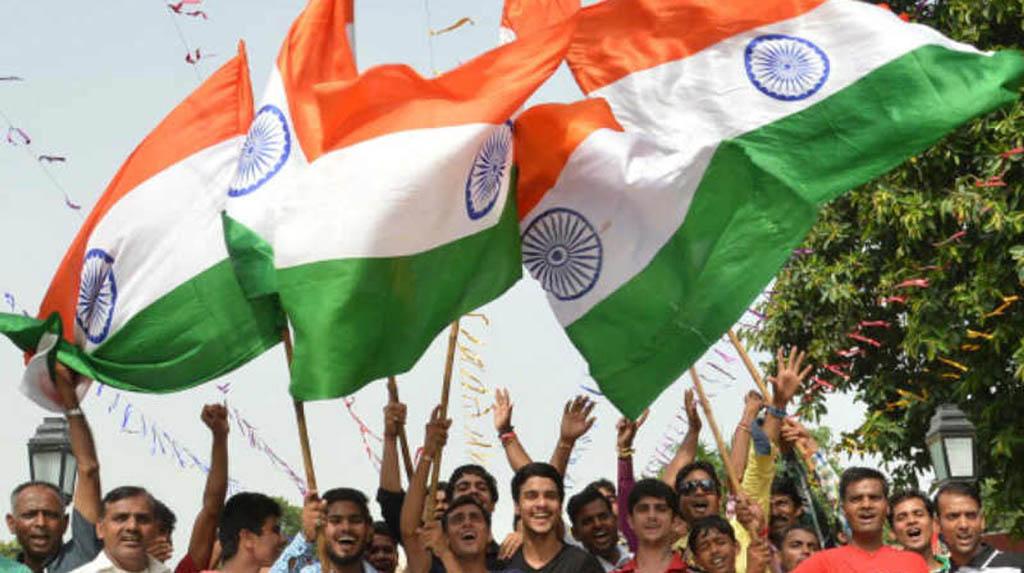 Tricolours, patriotic songs at Kejriwal's swearing in