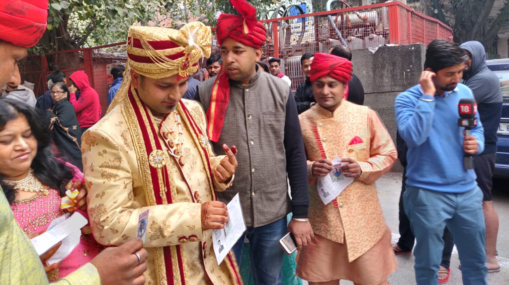 Before marriage, bridegroom comes out to vote in Delhi