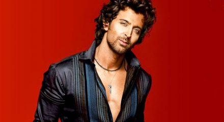 Hrithik's quirky post urging people to stay at home