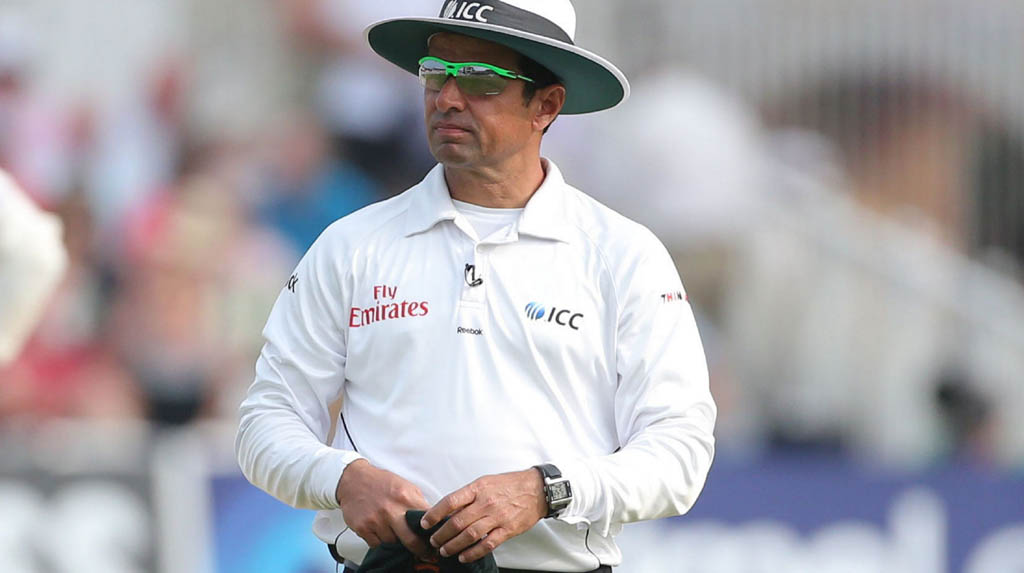 COVID-19: Aleem Dar offers free food at his Lahore restaurant