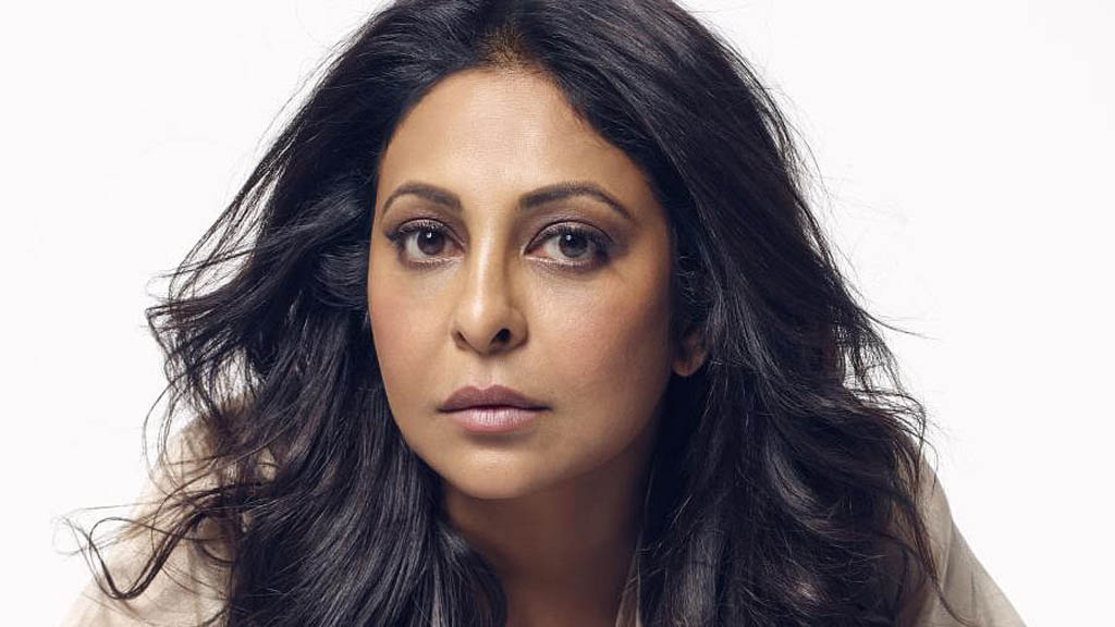 Shefali Shah wears plastic bag over face for COVID-19 awareness