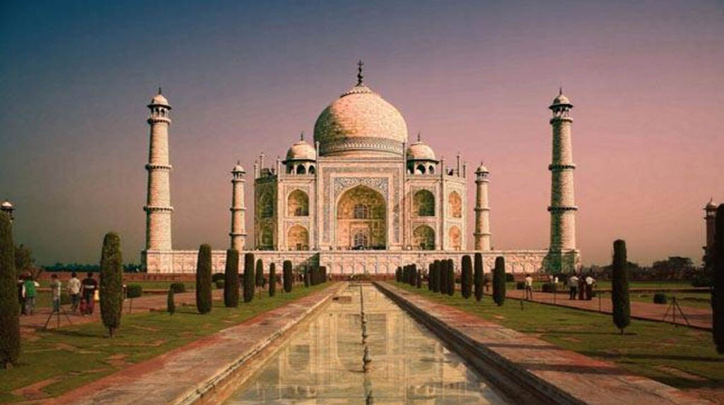Rains bring more despair as corona cases rise in Taj city