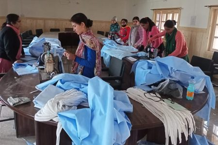 SHGs in Hmachal Pradesh are producing PPE and masks for health workers