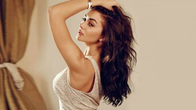 Amy Jackson exercises with her son Andreas in new post