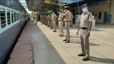 2,600 more Shramik trains in next 10 days: Railways