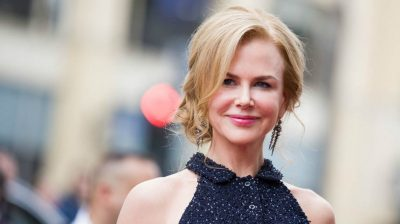 Nicole Kidman jokes about broken ankle