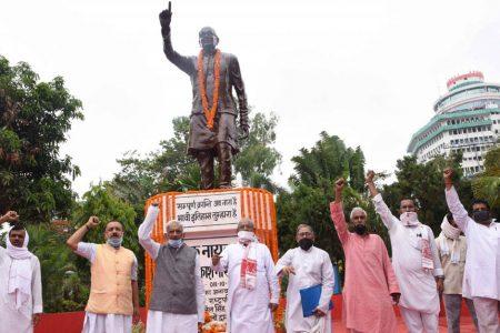 People pay tributes to 'Loknayak' Jai Prakash Narayan on the occasion of Sampoorna Kranti Diwas