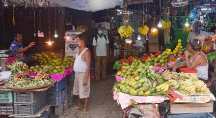 Kolkata: A fruit market reopens in Kolkata on the first day of the fifth phase of the nationwide lockdown imposed to mitigate the spread of coronavirus, on June 1, 2020. (Photo: Kuntal Chakrabarty/IANS)