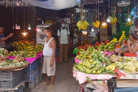 A fruit market reopens in Kolkata