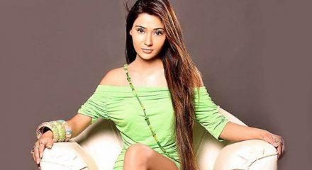 TV star Sara Khan set to release her song 'Chadd ke na jaa'