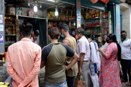 People seen violating social distancing norms at a Kolkata market
