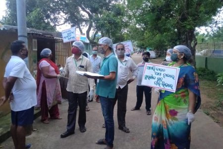 Volunteers spreading awareness to follow the COVID19 guidelines in Bhubaneswar