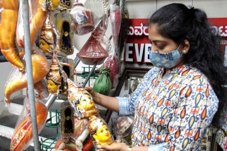 People busy shopping ahead of Varamahalakshmi celebrations