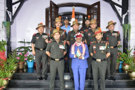 H.Pradesh Governor met the Kargil war heroes of the Naga regiment