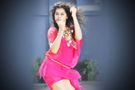 Taapsee slams troll calling her 'faltu heroine', using explicit language