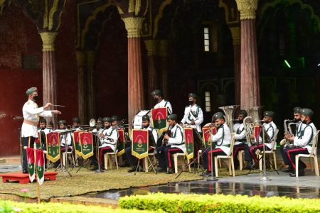 Army Band members perform to honour the COVID-19 warriors
