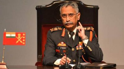 Army chief reviews preparedness, winter deployment on LoC