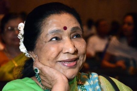 Do your riyaaz daily, Asha Bhosle