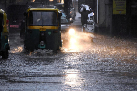 Heavy rains lead to waterlogging in Bengaluru