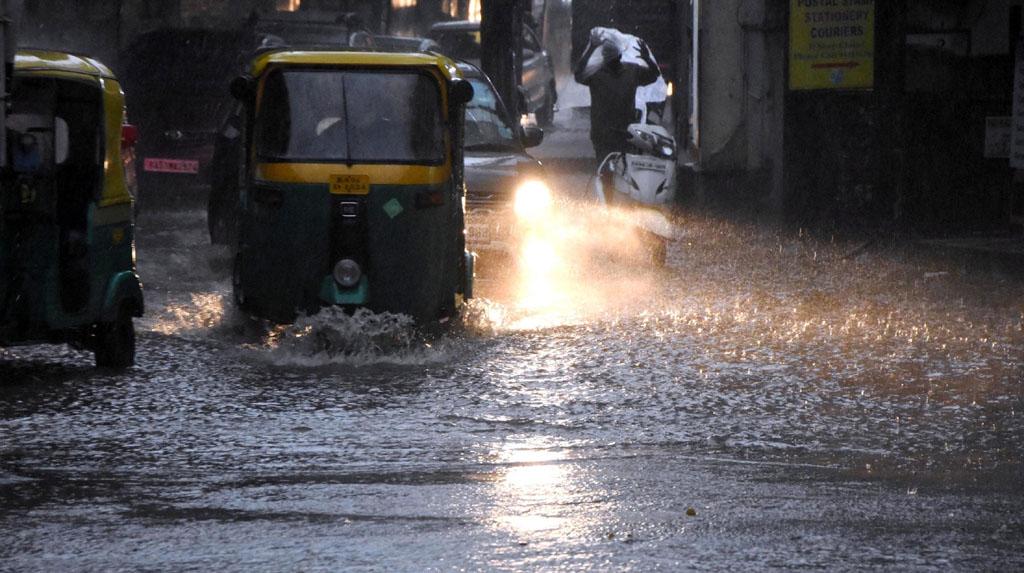 Bengaluru: Heavy rains lead to waterlogging in Bengaluru on Sep 19, 2020. (Photo: IANS)