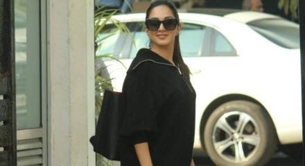Mumbai: Actress Kiara Advani seen at Chhatrapati Shivaji Maharaj International Airport in Mumbai on Nov 12, 2020. (Photo: IANS)