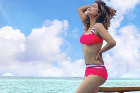 Hina Khan paints the seaside pink in scorching bikini photo-op