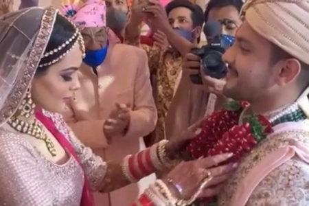 Big B 'features' in Aditya Narayan's wedding video in a quirky way