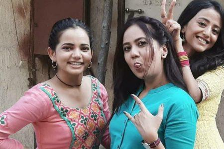 Aarushi Sharma recalls how the cast of Ranju Ki Betiyaan fulfilled their Pani Puri cravings