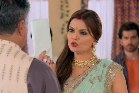 Ranju Ki Betiyaan- Lalita tears the divorce papers