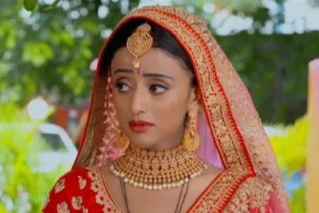 Ranju Ki Betiyaan- Ranju signs the divorce papers